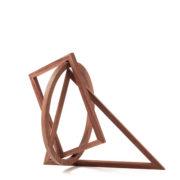 Formobile von Peer Clahsen. Holzobjekt aus Nussbaum